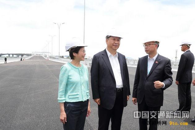 """港珠澳大桥是""""一国两制""""下粤港澳合作的重大成果"""