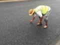 山东:高温下的坚守 让高速公路旧貌换新颜