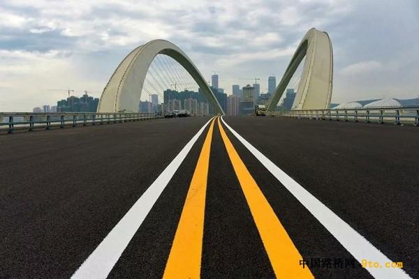 广西:世界首条石墨烯改性路面 南宁大桥今晚恢复通车