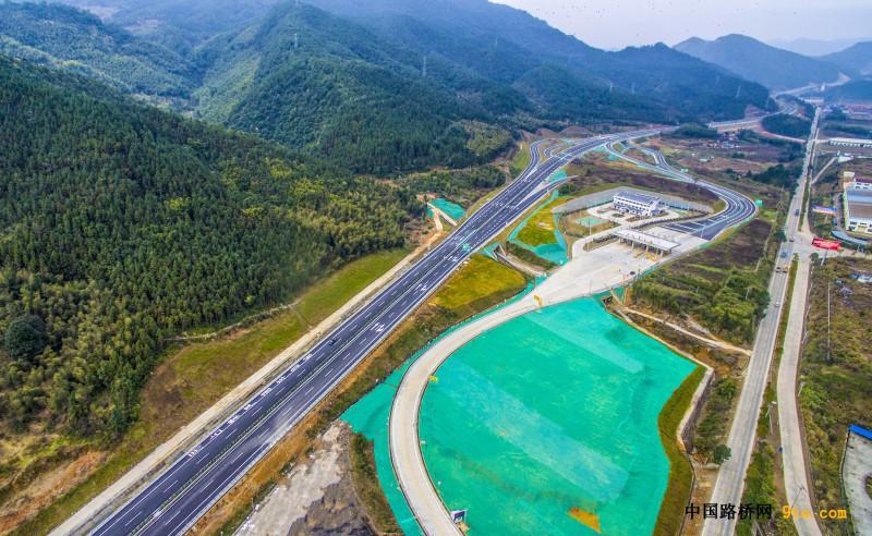 福建:顺邵高速项目完成交工验收