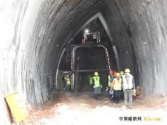 常州第一条高速公路隧道完成首爆作业