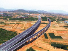 河北:太行山高速平赞段主线全线贯通