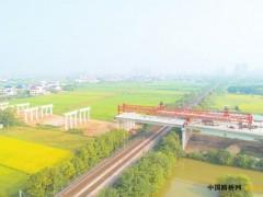湖南:G536汨罗段跨京广铁路桥计划明年元旦通车
