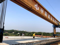 湖南:长益扩容工程全线首座钢板组合桥梁顺利架通