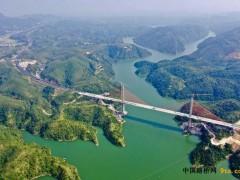 广东:河惠莞高速公路龙紫段枫树坝大桥顺利合龙
