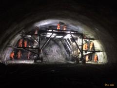 陕西:秦岭天台山隧道获评交通运输部科技示范工程