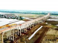 重慶:合安高速公路涪江特大橋全幅貫通