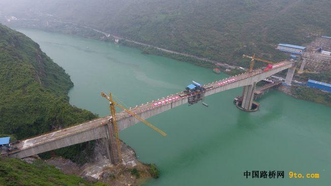 大跨径刚构桥合龙段施工技术研究