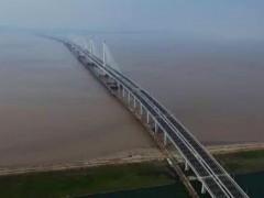 跨江大桥工程钢栈桥施工技术