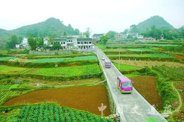贵州 10万公里农村公路因地制宜降低造价